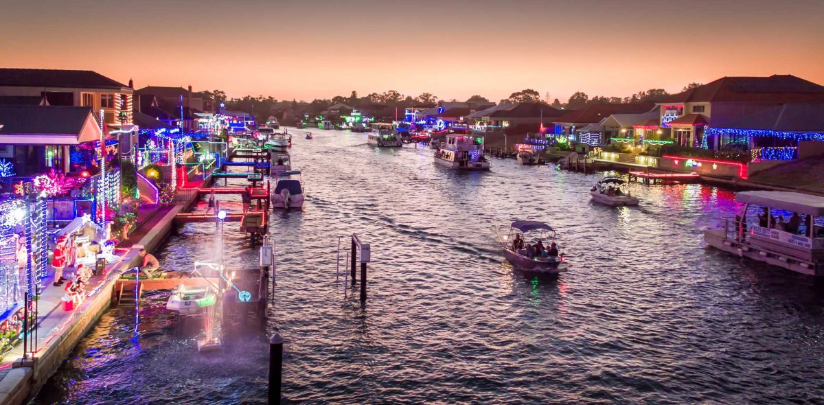 Canal Christmas Lights Tours