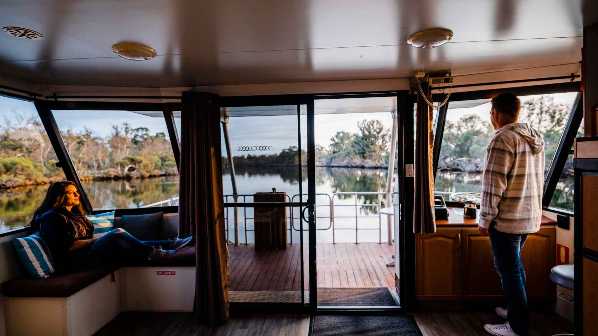 room-with-a-view-houseboats-mandurah-romantic-getaways-close-to-perth