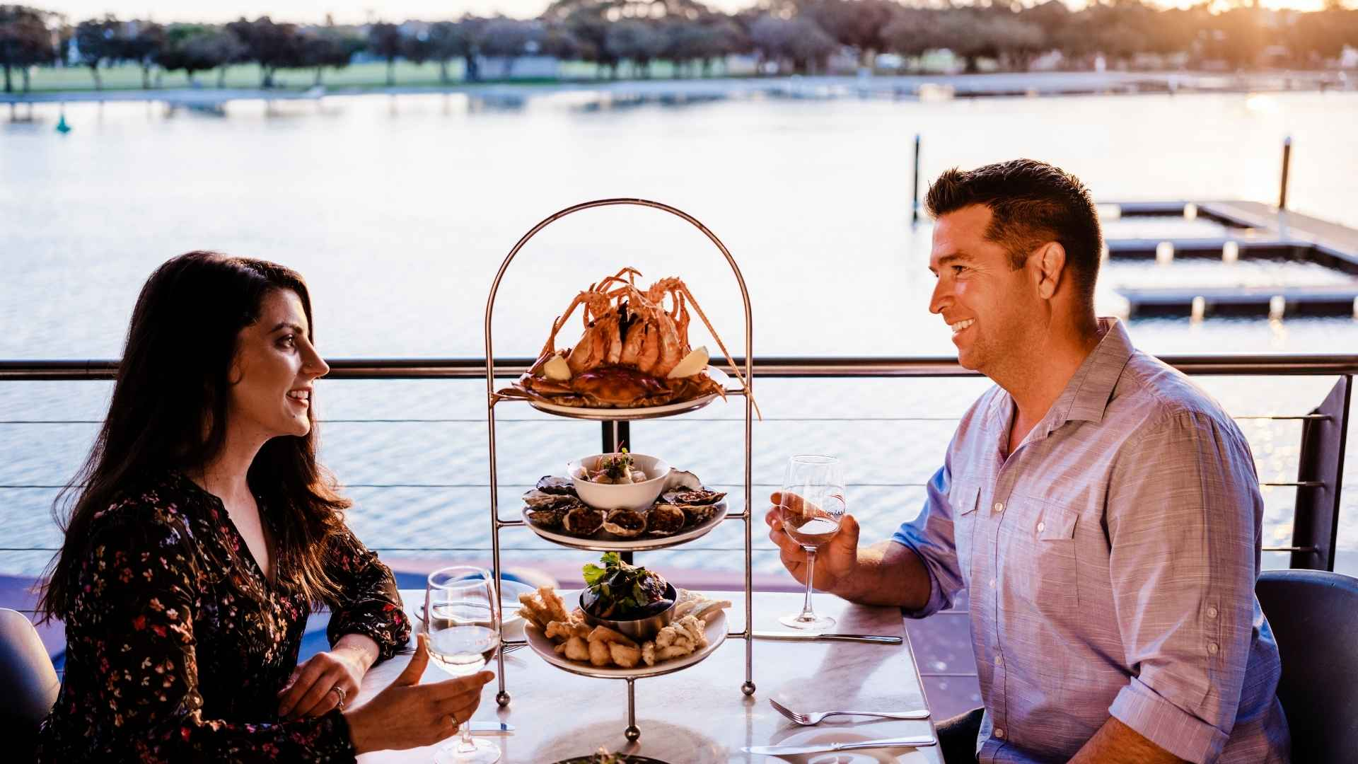 Romantic-Weekend-Getaways-Seafood