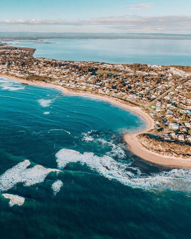 A firm favourite feature of Mandurah is its waterways – and experiencing them your way is the best way to make those magic moments in Mandurah.  This incredible shot by @jaxonfoale, shows us the estuary and the ocean, harmonising together to make an awesome place for a stay-a-while getaway.   #visitmandurah #mandurah #seeperth #wanderoutyonder #thisiswa #westernaustralia