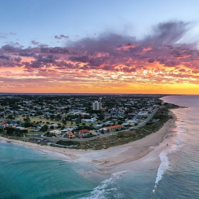 Easter is one of our fave times of year and Mandurah has a jam-packed weekend of events rolled into one epic long weekend.   Share your fave Mandurah moment and #visitmandurah   📸 @my_vision_photography   #mandurahmoment  #perthisok #perthlife #wanderoutyonder #balifestival #balifest #holidayherethisyear #easter #easterweekend