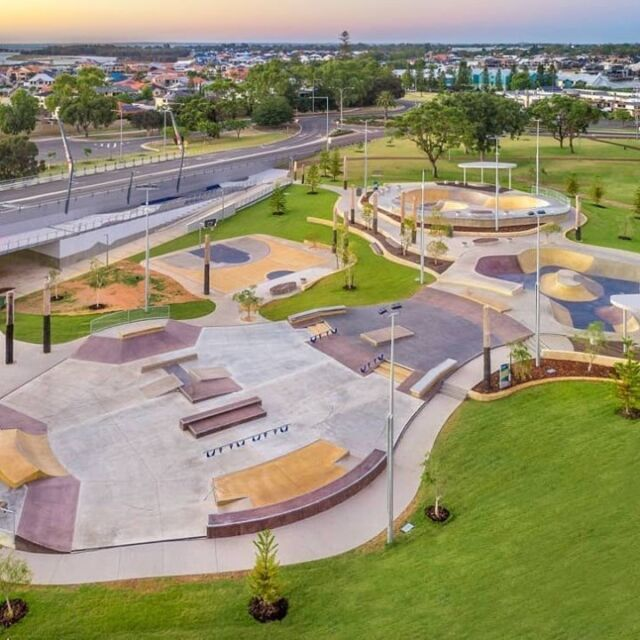 If you've got kids who like to skate, scoot or bike, be sure to head to the new skate park in Mandurah! 🛹🛴🚲  This awesome skate park is great for all ages and has pretty specyy views over the water, so you can sit back with a takeaway coffee and enjoy the view. ☀  Photo thanks to @stach_rogalski_photography for the great shot.