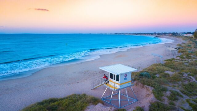 A promise of vibrancy and wonderment this spring in Mandurah. 🤲 🍃   There's plenty to do and more to experience this wonderful time of year with the return of ☀️ sunny days, and new life evident along the coast, in the wetlands, along our foreshore, and in our national parks.  Your spring into the new season starts in Mandurah. 🐬 Click the link in bio for more.  #mandurah #mandurahmoment #visitmandurah #relaxedbynature #springinmandurah #spring #wanderoutyonder #thisiswa #holidayherethisyear #westernaustralia #perth #seeperth #perthroadtrips #perthdaytrip #perthholidays #thingstodowithkids #kidsinperth #nature #australia #seeaustralia